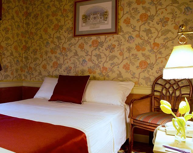 hotel milano regency camera economy